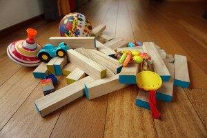 zabawki na podłodze