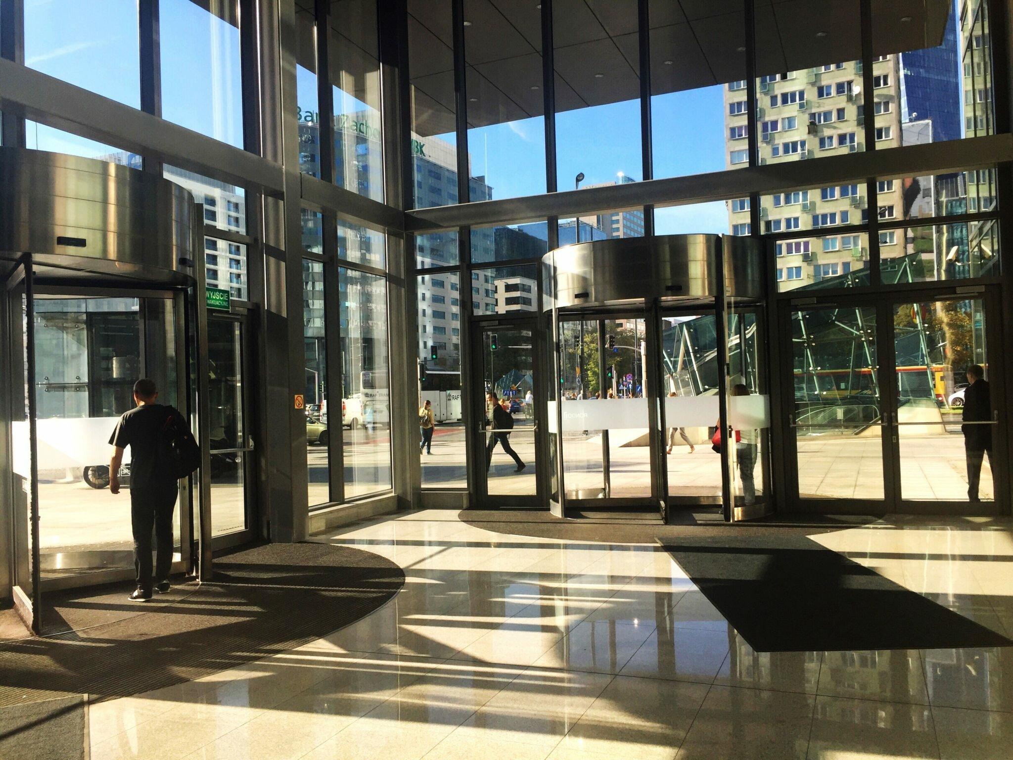 zdjęcie budynku biourowego Siedem moich pierwszych prac #myfirst7jobs